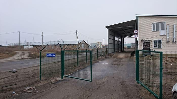 забор из оцинкованной сетки 3d-perimetr.ru