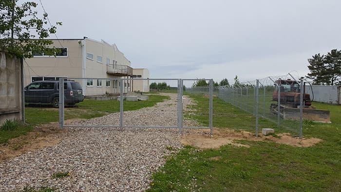 ограждения из оцинкованной стали www.3d-perimetr.ru